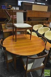Sale 8350 - Lot 1092 - Parker Dining Setting inc Table w Butterfly Extension & 6 Chairs