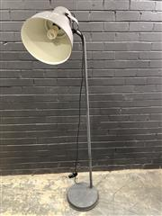 Sale 9006 - Lot 1046 - Industrial Style Floor Lamp (h:177cm)