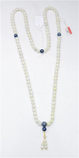 Sale 9098 - Lot 487 - White and Lapis coloured Chinese beaded necklace (L60cm)