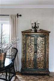 Sale 9040H - Lot 63 - A fine 18th century Italian cabinet with hand painted and gilded detailing. Provenance; David Jones Gallery (in excellent condition...