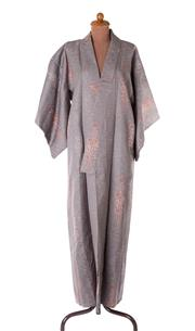 Sale 8550F - Lot 194 - A vintage winter kimono in pink and grey.