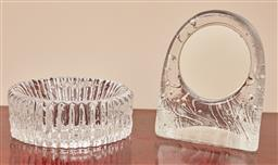 Sale 9099 - Lot 262 - Two pieces of textured glasswares including a glass ashtray, Diameter 15cm, and a mirror, Height 15cm
