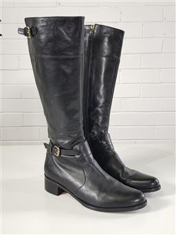Sale 9254 - Lot 2127 - Pair of ladies leather boots
