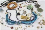Sale 8473 - Lot 75 - Costume Jewellery including Silver Stone Set Jewellery including freshwater pearls.