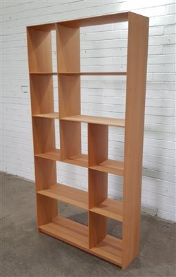 Sale 9151 - Lot 1081 - Blondewood open bookshelf (h:195 x w:100 x d:31cm)
