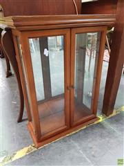 Sale 8570 - Lot 1073 - Small Display Cabinet