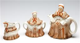 Sale 9253 - Lot 436 - Woods little old lady three piece tea suite, of teapot (H:22cm) sugar and creamer