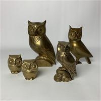 Sale 8725A - Lot 7 - Group of five assorted brass owls, tallest 19cm.