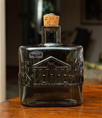 Sale 8735 - Lot 42 - A Finish glass bottle flask depicting Sydney in the 1840s, Height 18cm