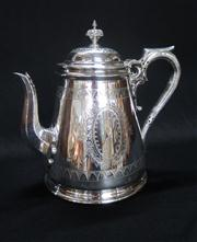 Sale 8298 - Lot 65 - Excellent quality Walker & Hall silverplated tea pot, C: 1900. Ht: 20cm