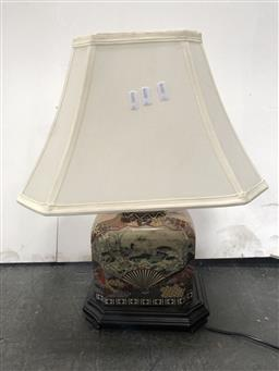 Sale 9102 - Lot 1083 - Octagonal Chinese Ceramic Table Lamp (h:50cm)