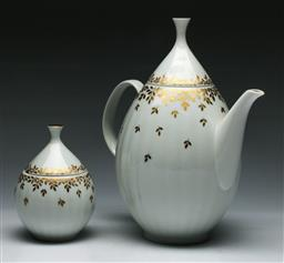 Sale 9144 - Lot 204 - An Arzberg jug (H:25cm) together with a small lidded sugar (H:13cm)