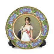 Sale 8545N - Lot 67 - Austrian Haindpainted Plate, in the Royal Vienna Style depicting Queen Louise of Prussia (D: 23.5cm)