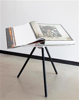 Sale 9096 - Lot 528 - Annie Leibovitz (1949 - ) Sumo, Edition Taschen 2014 book. ed. 3925/10,000 . signed (with original box and display tripod)