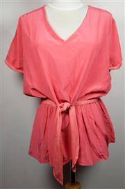 Sale 8460F - Lot 95 - A Gasparre Cashmere 100% silk coral short sleeved top with gathered waist, size S