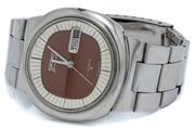 Sale 9046 - Lot 543 - A VINTAGE SEIKO DIAMATIC WRISTWATCH; ref; 6119-9410 in stainless steel with 2 tone dial, center seconds, day date, 21 jewel automati...