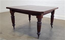 Sale 9174 - Lot 1128 - Edwardian mahogany extension table with 2 leaves (h:74 x w:130 x d:41cm)