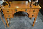 Sale 8115 - Lot 1408 - Desk w 5 Drawers