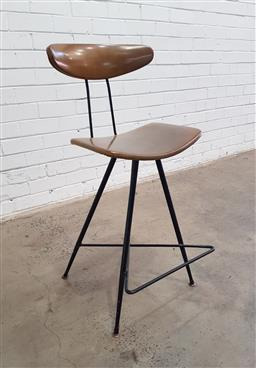 Sale 9151 - Lot 1087 - Meadmore barstool (h:90 x w:41 x d:32cm)