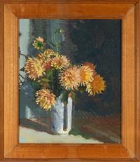 Sale 8735 - Lot 67 - David Wilson, Flower study 11, 1979, signed lower right, Artarmon Gallery label on verso oil on board, 38 x 34