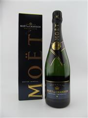 Sale 8423 - Lot 666 - 1x NV Moet et Chandon Nectar Imperial, Champagne - in box