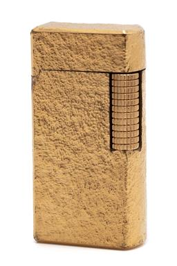 Sale 9099 - Lot 131 - A gold plated Dunhill 70 lighter, length 6cm