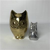 Sale 8725A - Lot 21 - A stylised brass owl jardiniere, Height 16cm together with a vintage MCM Chris Petersen aluminium owl sculpture. height 10cm