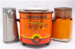 Sale 9099 - Lot 206 - A group of retro kitchen wares, crock pot, can opener and moulinex.