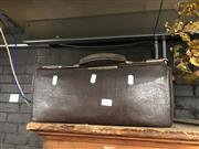 Sale 8759 - Lot 2389 - Gladstone Bag
