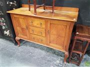 Sale 8593 - Lot 1006 - Maple Three Drawer Two Door Sideboard (98 x 137 x 50cm)