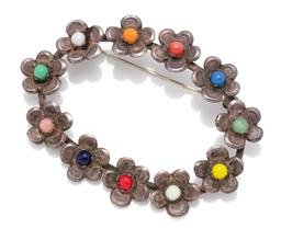 Sale 9099 - Lot 149 - A Vintage silver and hardstone daisy brooch, width 6cm, combined weight 10.77g