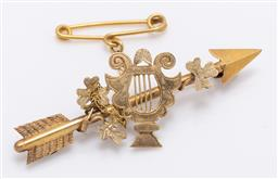 Sale 9180E - Lot 55 - A 20ct gold arrow and lyre brooch, Length 4.5cm, weight 2.5g