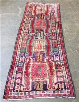Sale 9210 - Lot 1038 - Persian hand knotted pure wool Hamadan runner (304 x 116cm)