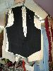 Sale 7490 - Lot 1240 - 8 ASSORTED MENS VESTS (CHEST 34-36)