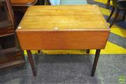 Sale 8255 - Lot 1087 - Victorian Mahogany Pembroke Table, with frieze drawer & on turned legs