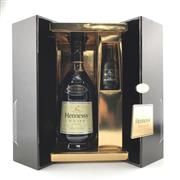 Sale 8687 - Lot 889 - 1x Hennessy VSOP Cognac - in presentation box with 50ml sampler