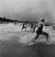 Sale 8692 - Lot 541 - Max Dupain (1911 - 1992) - Surf Race Start (Manly Beach) 22.5 x 22cm