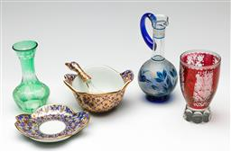 Sale 9190 - Lot 73 - A collection of items incl painted ceramic bowl (dia 14cm) with bird themed spoon and bohemian glassware