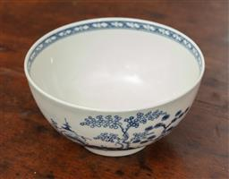 Sale 9120H - Lot 16 - A late c.18th blue and white Worcester tea bowl, mark to base, Diameter 12.5cm