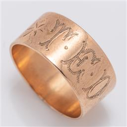 Sale 9180E - Lot 76 - A 9ct gold ring with monogram T.E.D, weight 4.5g