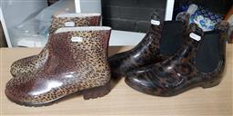 Sale 9176 - Lot 2272 - 2 Pairs of Animal Print Plastic Ankle Gum Boots: Witchery size 40 & G&G size 41