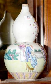Sale 7997 - Lot 42 - A FINE FAMILLE ROSE GOUARD VASE, JIAQING (1796 - 1820)
