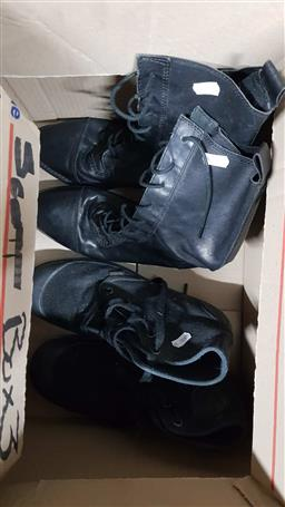 Sale 9176 - Lot 2238 - 2 Pairs of Ankle Boots incl Palladium Black Sneaker Boots size 42 & Urge Black Leather Boots size 39
