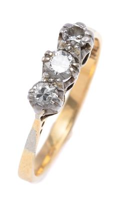 Sale 9194 - Lot 372 - A VINTAGE 18CT GOLD DIAMOND RING; claw set with 3 round brilliant cut diamonds totalling approx. 0.40ct, SI, size M, wt. 2.36g.