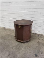 Sale 9068 - Lot 1066 - Probably Dutch Oak Octagonal Fuel Box, with hinged lid, brass lock & lion handles (H:50 x W:46cm)