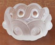 Sale 9055H - Lot 34 - A Lalique glass bowl with interlocking band and cabochon. Diameter: 11cm.