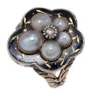 Sale 8965 - Lot 360 - A GEORGIAN GOLD PEARL AND DIAMOND MOURNING RING; 9ct gold scalloped plaque centring a silver set rose cut diamond to surround of 5 g...