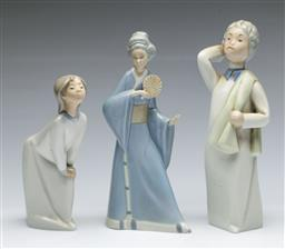 Sale 9164 - Lot 470 - Lladro figure of a girl together with 2 other porcelain figures inc Nao (H:19cm)