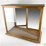 Sale 8589R - Lot 43 - Timber and Glass Display Cabinet with Internal Mirrors and Porcelain Feet (H: 60cm W: 68cm)