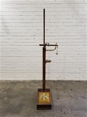 Sale 9076 - Lot 1001 - Vintage W & T. Avery Ltd, Birmam Scale for both weight and height (h:145 x w:32 x d:60cm)